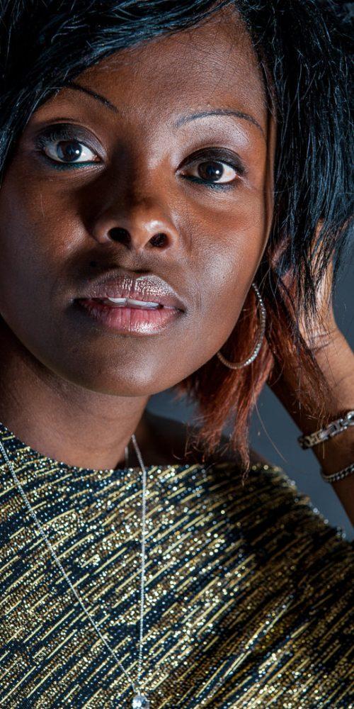 Portrait femme noire face